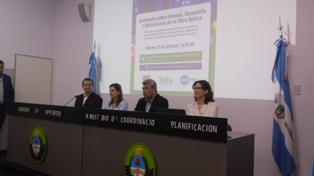 Artic dictó un seminario sobre fibra óptica en Corrientes